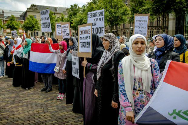 musulmane holandeses molestos con Geert Wilders