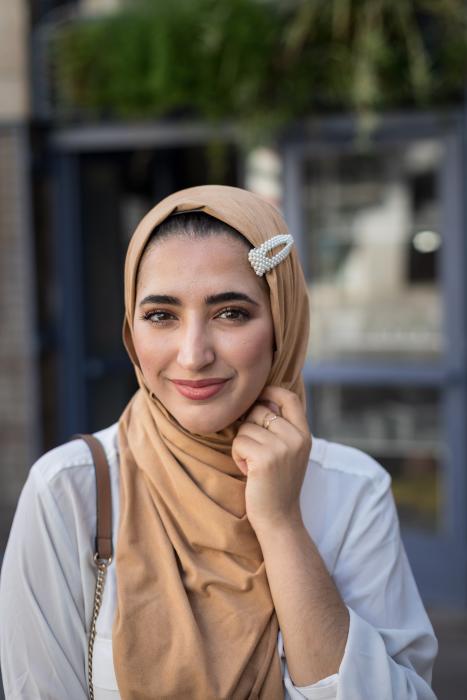 Musulmana de Girona se convierte en un icono en las redes sociales