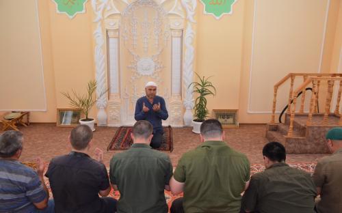 Presos de Crimea celebran el Aid el Adha