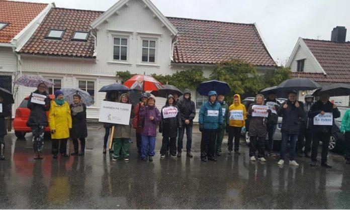 Vecinos de Kiristiansand se solidarizan con la comunidad musulmana