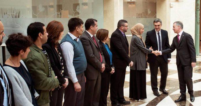 El Lehendakari recibe a una delegación de musulmanes