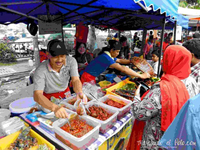 Mercado de Ramadán en Malasia
