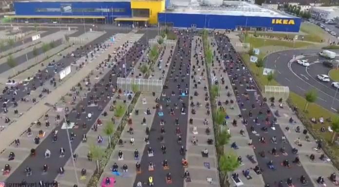 Ikea presta un gran aparcamiento en Frankfurt para realizar la oración colectiva con un distanciamiento social