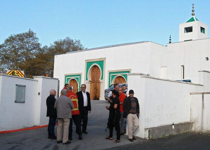 Consejo Francés del Culto Musulmán recomienda no realizar la oración del viernes hasta el 22 de junio