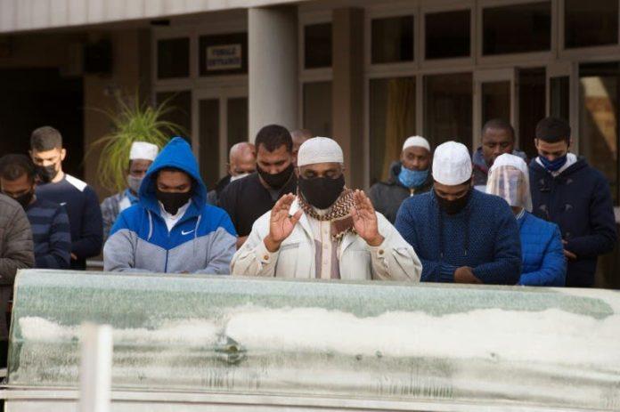 Entierro musulmán en Sudáfrica