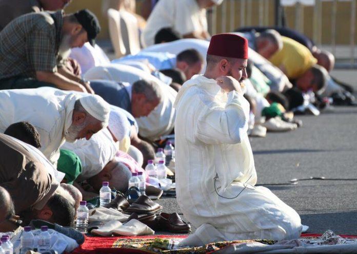Rezo colectivo musulmán en Ceuta