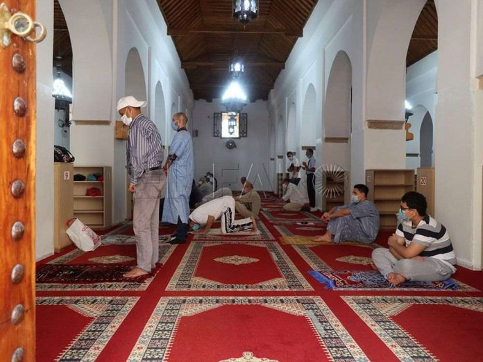 Gran afluencia a las mezquitas de Marruecos tras su reapertura
