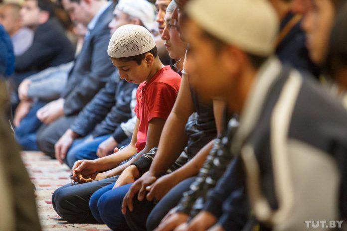 Musulmanes durante la celebración del Aid el Adha