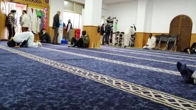 España: Imames recomiendan a los musulmanes que se pongan la vacuna contra el coronavirus