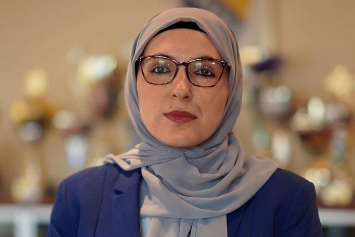 Ministra musulmana del cantón de Sarajevo invita a las mujeres musulmanas a participar más en política