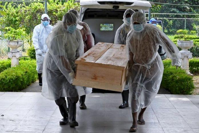 Sri Lanka anula la cremación forzosa por Covid-19 tras las protestas de los musulmanes