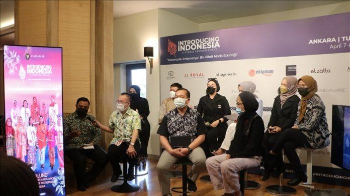 Indonesiso en un evento sobre la moda en Turquía