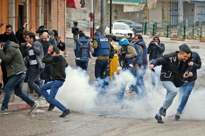 Palestinos atacados en Jerusalén