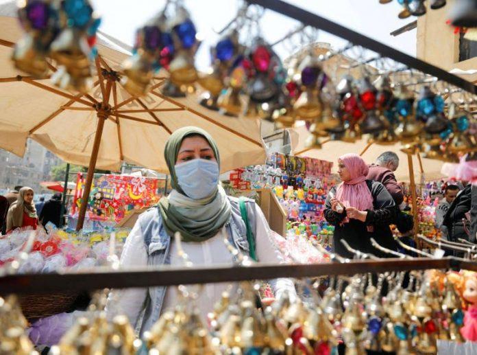 Egipto debate prácticas seguras para el mes de Ramadán