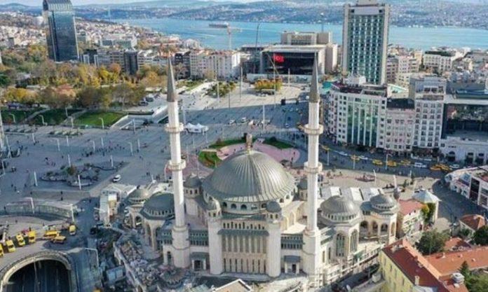 Mezquita de Taksim